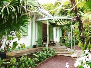 Image gallery maison creole for Constructeur de maison en bois ile de la reunion