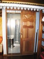 the relay mafate bungalow door sdb