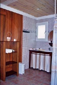 Le Millepertuis bathroom