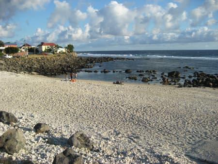 La plage de Terre Sainte et son lagon protégé