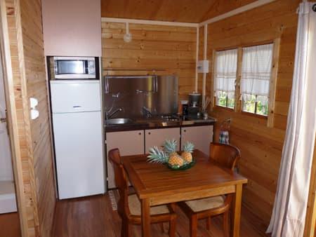 Le Vert Est cottage - Kitchen