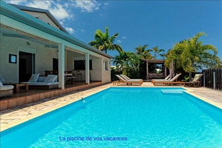 The swimming pool of your holidays