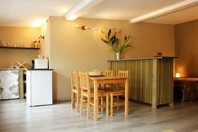 studio piments - kitchenette