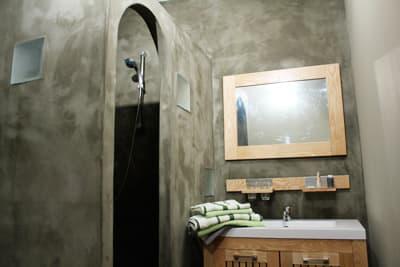 studio piments - bathroom
