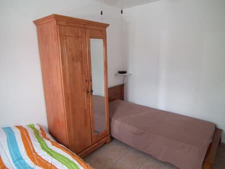 Chambre 3 avec lit 90 cm