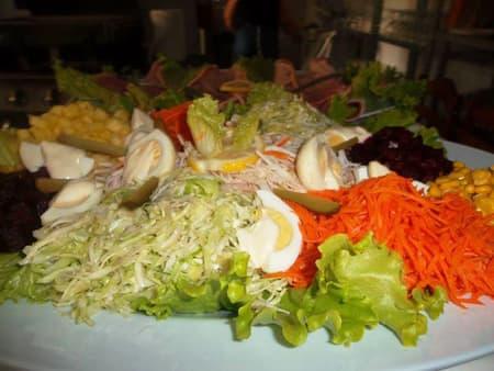Salade composée de crudités