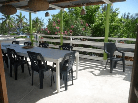 Espace repas varangue Villa Mango's