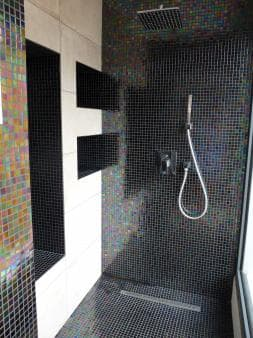 The shower in villa Authentique