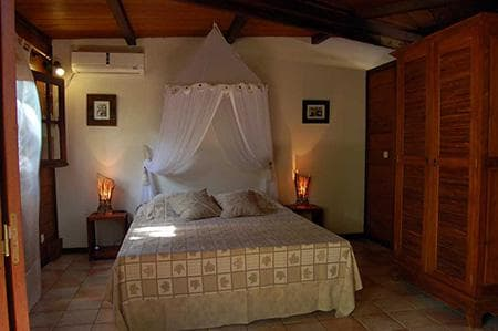 Bungalow Baobab - Chambre lit veilleuse