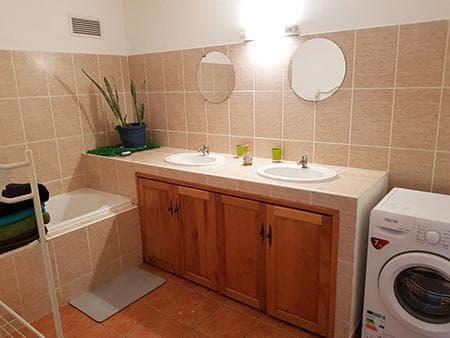 Salle de bains chambre Fanjan