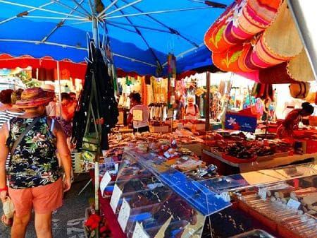 The market in St Paul