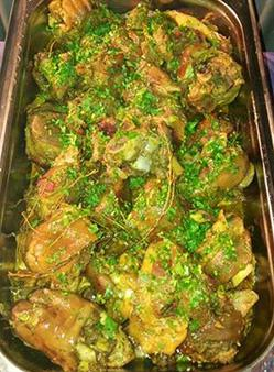 Pig's feet curry