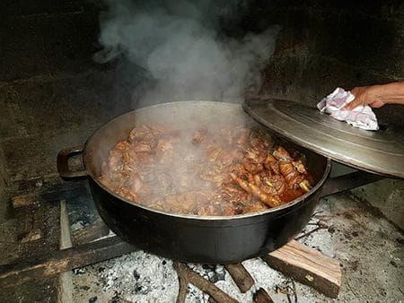 Carri poulet fermier au feu de bois