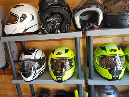 Rental of helmets, jackets, gloves